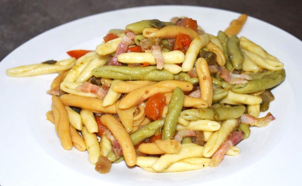 Fricelli Tricolore con carciofi e pancetta